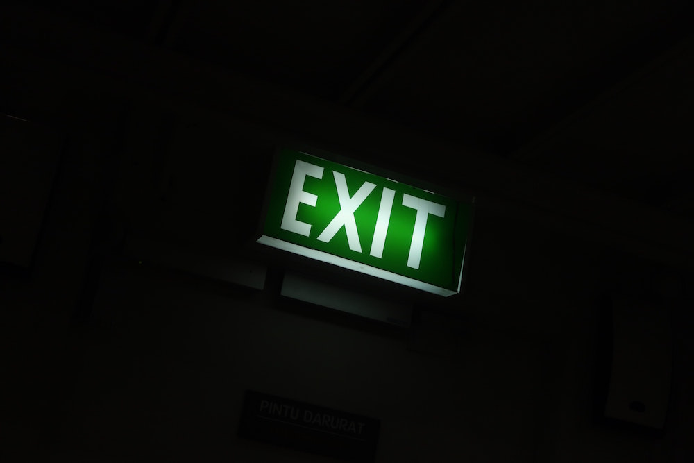we can make sure your business premises have fully working emergency lighting